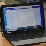 スケジュール帳を作っているパソコン画面